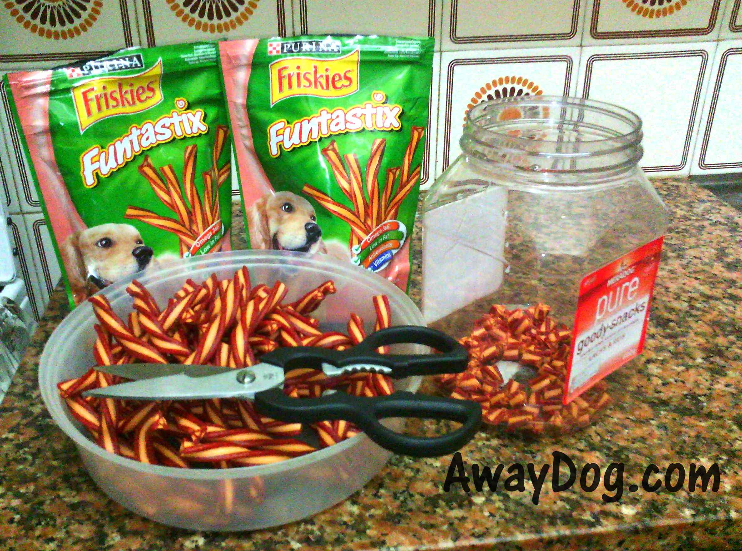 Friskies Funtastix dog treat cutted to pieces
